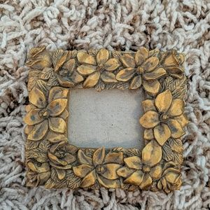 Other - Vintage Flower Mini Picture Frame